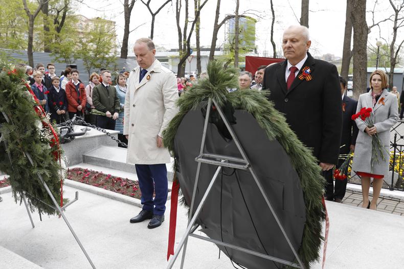 Во Владивостоке прошли памятные мероприятия