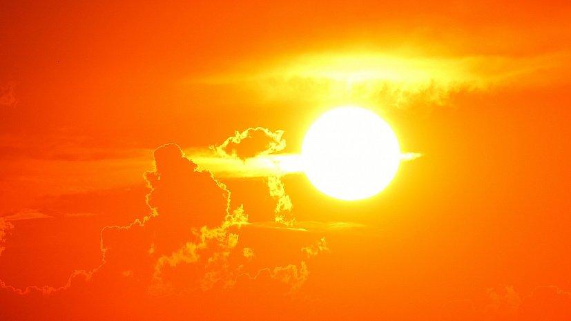 Южноуральцев просят защититься от жары в День Победы