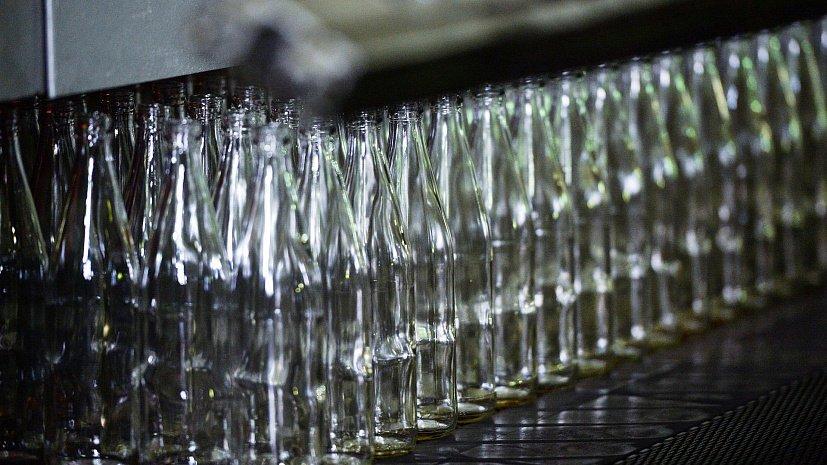 Торговые сети могут обязать выкупать стеклотару у россиян