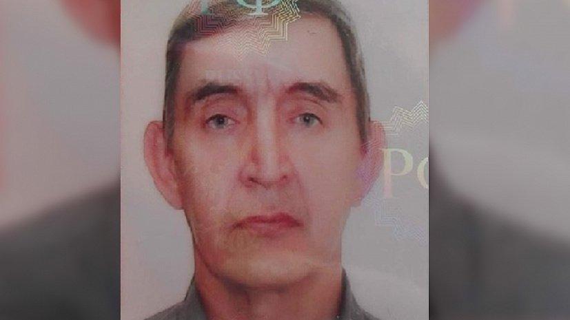 Мужчина без передних зубов пропал по дороге на работу в Челябинске