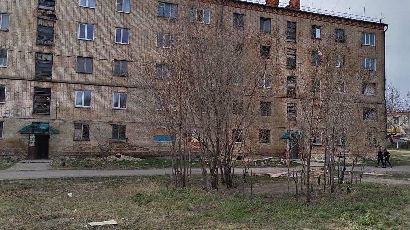Разваливающееся общежитие в Троицке шокировало Алексея Текслера
