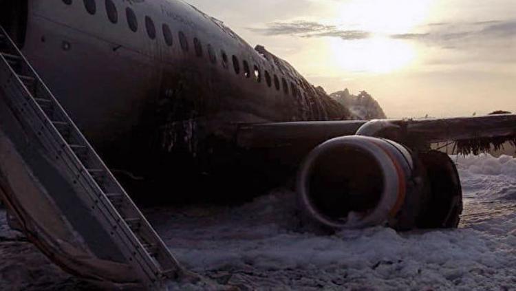 Более 40 человек погибли в авиакатастрофе в Шереметьево