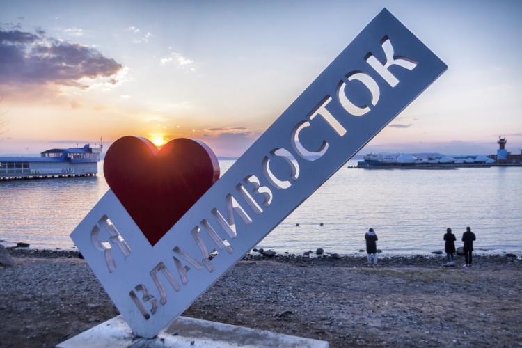 Владивосток попал в топ самых хамских городов России