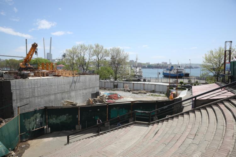 Жителям Владивостока предложили обустроить территорию около нового собора