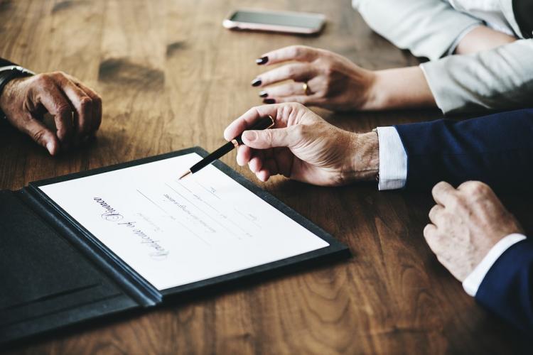 Теперь брачный контракт  символизирует доверие