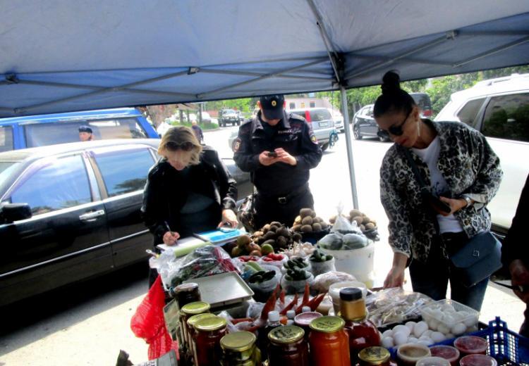 Рейды по незаконной торговле продолжаются во Владивостоке