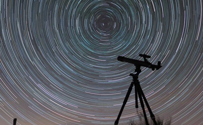 Кратеры Луны и вихри Юпитера бесплатно увидят новосибирцы