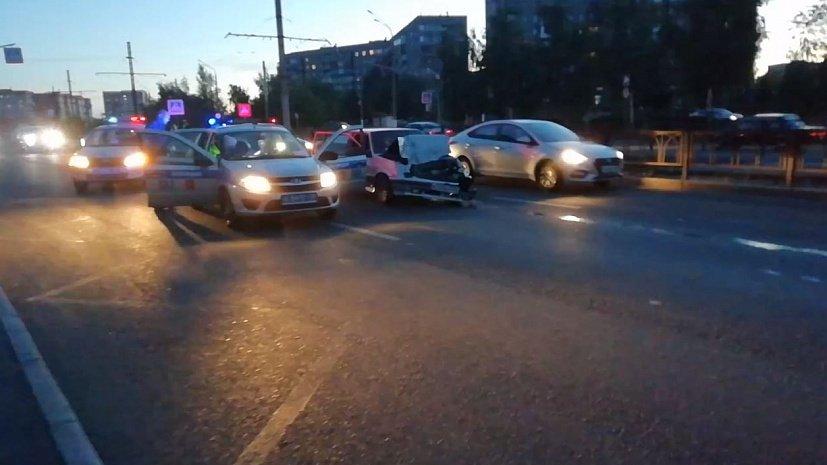 Ночная погоня привела к столкновению двух машин в Магнитогорске