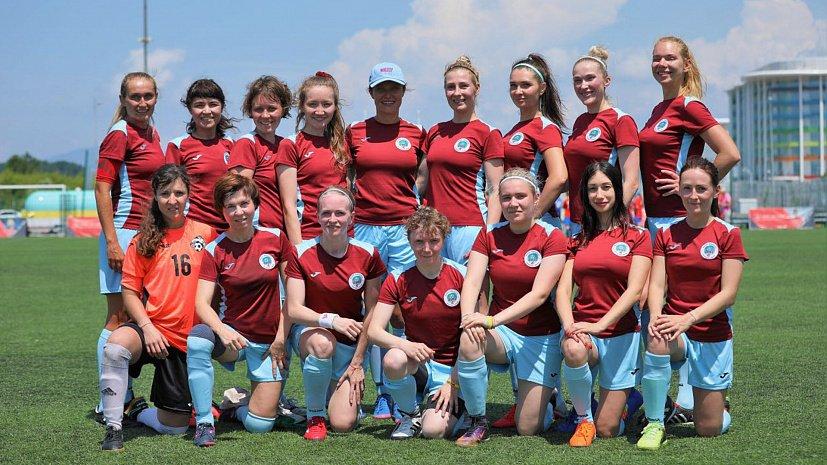 Девушки из Челябинска стали первыми на всероссийском турнире по футболу