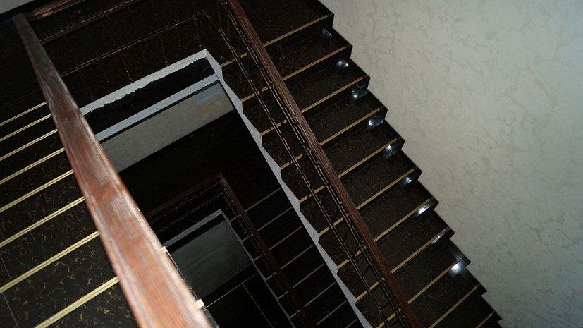 Трехлетняя челябинка упала в лестничный пролет в Сочи