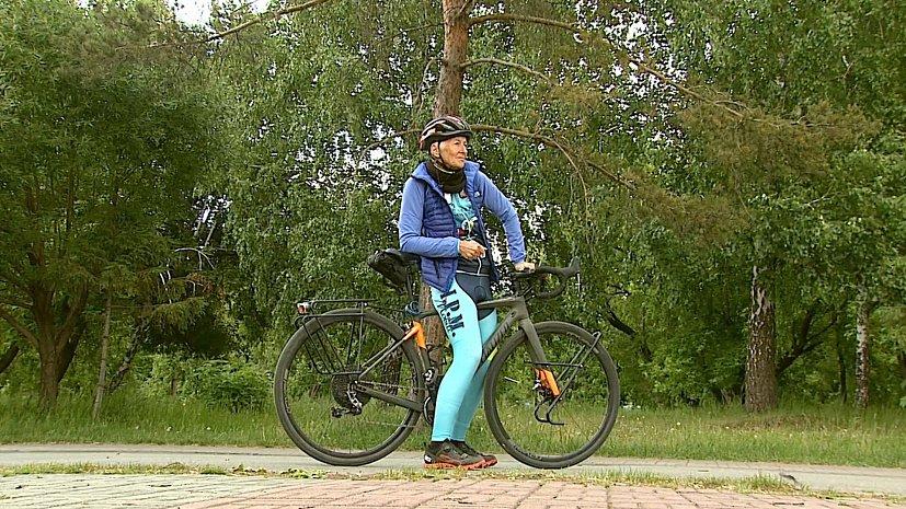 В Челябинске встретили итальянскую велосипедистку, путешествующую по России
