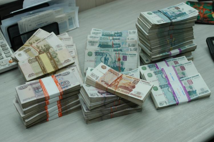 Во Владивостоке судебные приставы взыскали полумиллионный долг