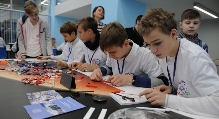 Более 800 школьников Владивостока будут учиться в детском технопарке