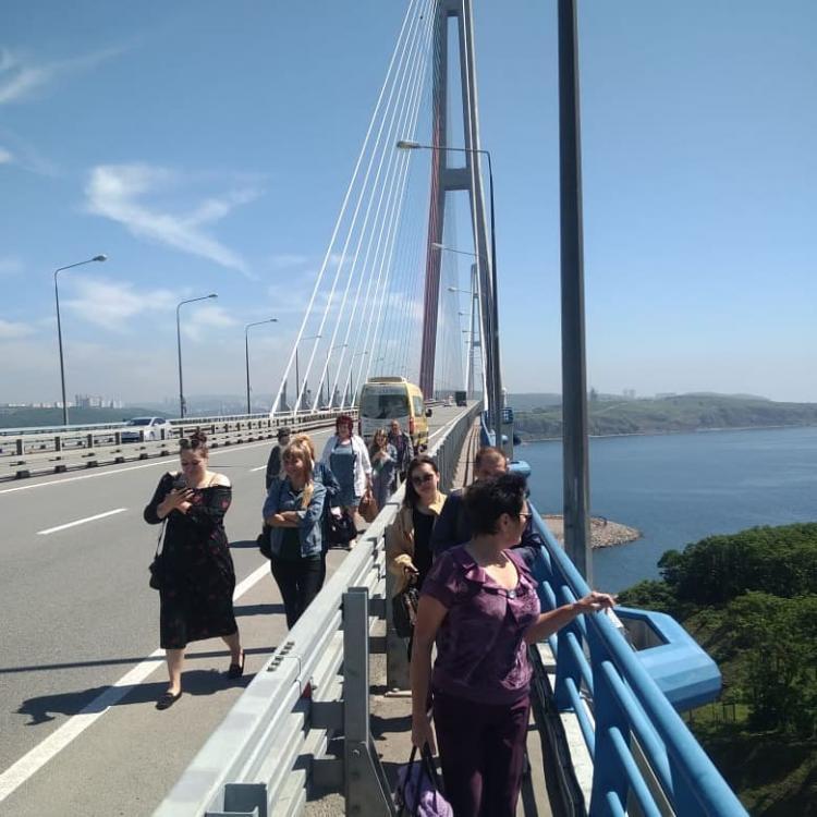 Мэрия Владивостока объяснила, почему у автобуса оторвало колесо