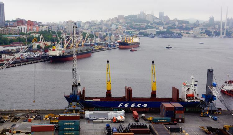 Fesco увеличит парк платформ для крупнотоннажных контейнеров на 700 единиц
