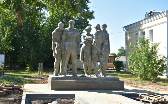 Памятник героям революции в четвертый раз перенесли в Карасуке