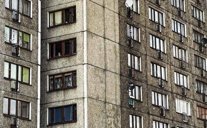 Маленькая девочка выпала с 5 этажа – медики оказались бессильны