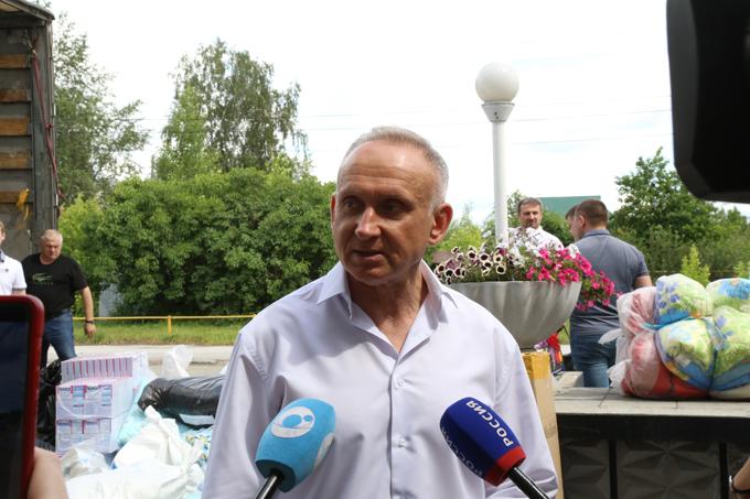 Единороссы отправили 40 тонн гуманитарной помощи пострадавшим в Иркутской области
