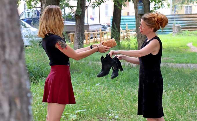 «Джинсы за булку хлеба» - новосибирцы переходят на бартер