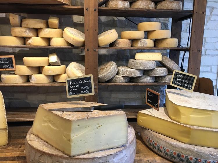 С владивостокцев «содрали» двойную цену за сыр