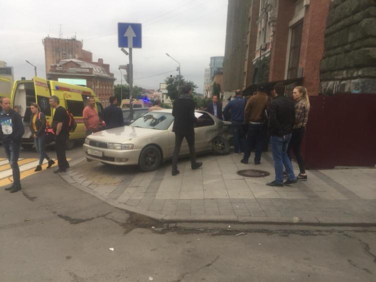 Известны подробности массового ДТП во Владивостоке, где пострадали туристы