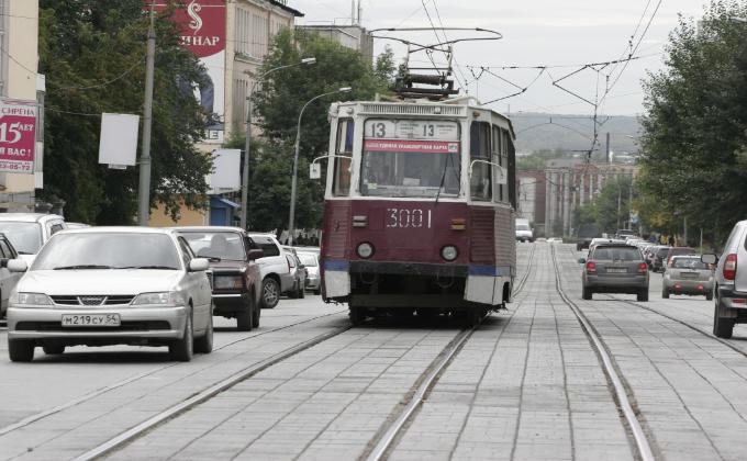 Путь суровому трамваю №13 преградят асфальтоукладчики