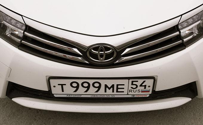 Получение автомобильных номеров упростят в России