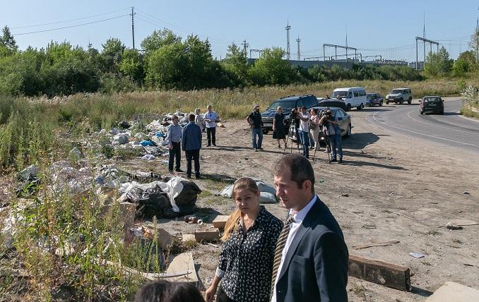 Борьба с мусором вдоль дорог: куда звонить