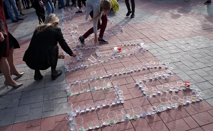 В память о жертвах трагедии в Беслане бердчане зажгли свечи