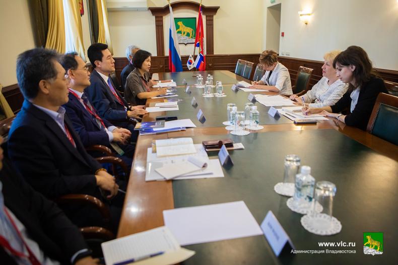 Мэр Пхохана Планируем связать Владивосток и Пхохан круизной линией уже в декабре.jpg