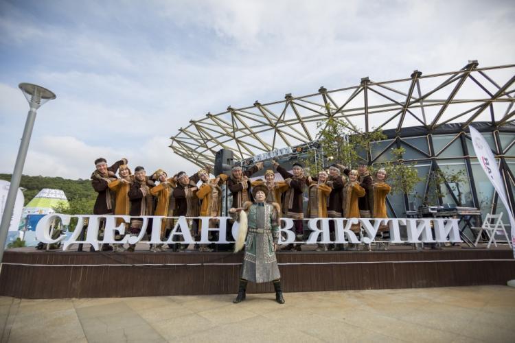 Народные костюмы, танцы и проекты: Чем удивляет «Улица Дальнего Востока»?