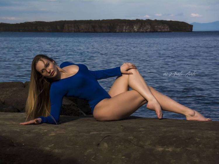 Мотодевочка из Владивостока удивила своими формами