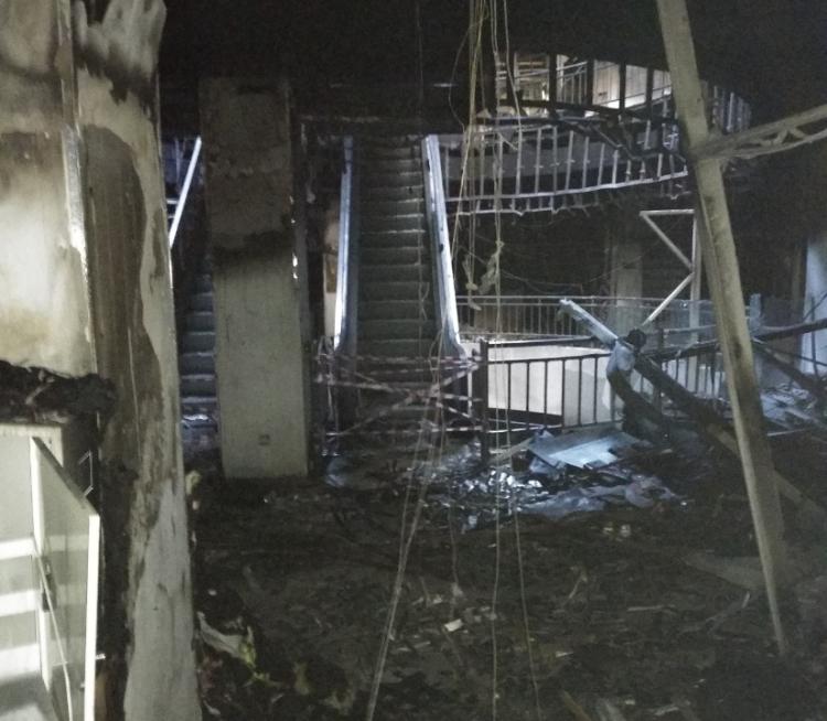 Из сгоревшего ТЦ «Максим» во Владивостоке эвакуировали предпринимателей