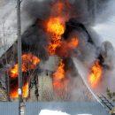 Соседка вытащила из огня трех одиноких малышей в Новосибирске