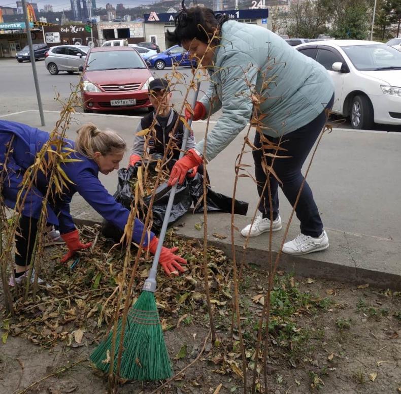 Чистоту и порядок наводят во всех районах Владивостока