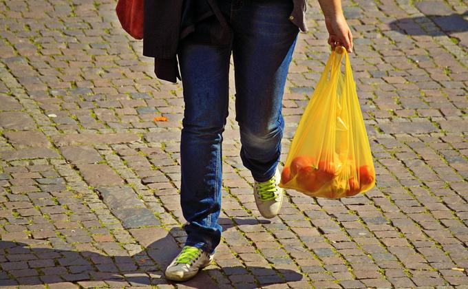 Пластиковые пакеты запретят в России
