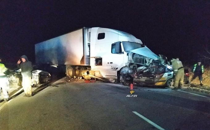 Трое мужчин погибли в ДТП в Новосибирской области