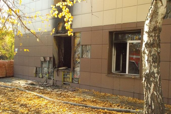 «Рабочих через окна вытаскивали» - пожар в больнице города Обь