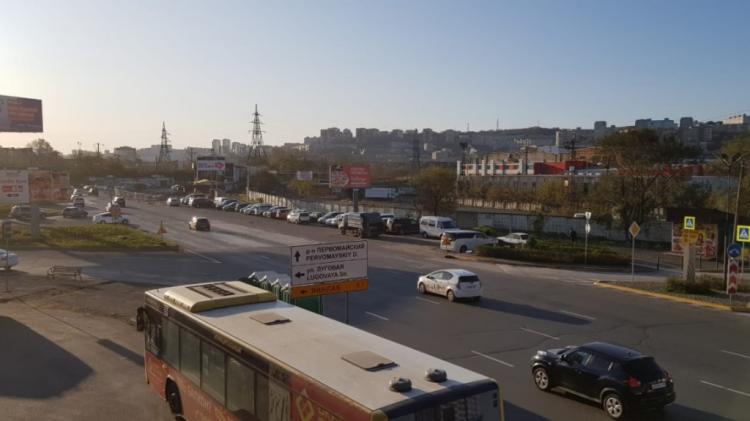 Во Владивостоке снесли незаконные киоски автострахования
