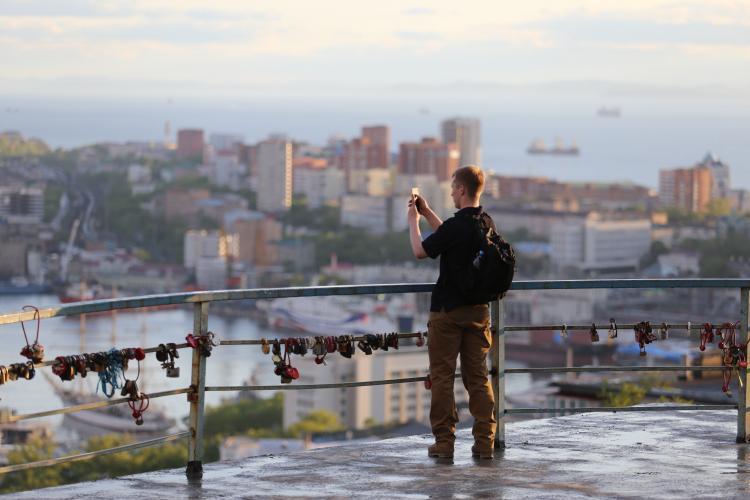Жители Владивостока смогут контролировать, как исполняются указы Путина