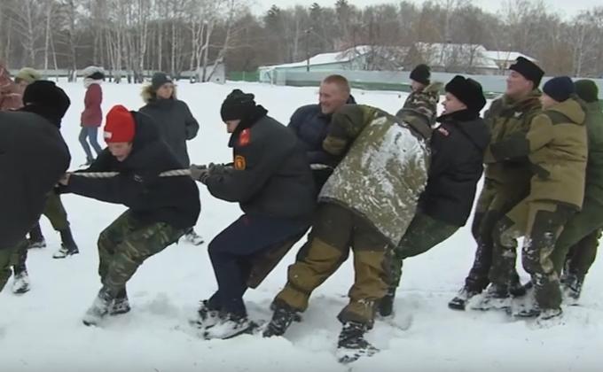 Нагайка и молитва: как готовят юных казаков в Новосибирске