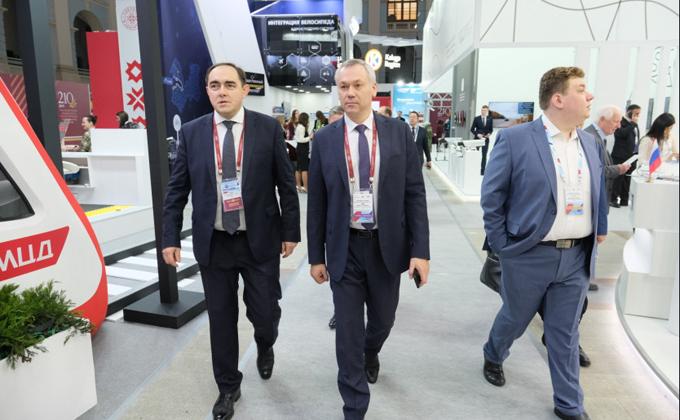 Андрей Травников: Проект развития аэропорта «Толмачёво» высоко оценивается на федеральном уровне