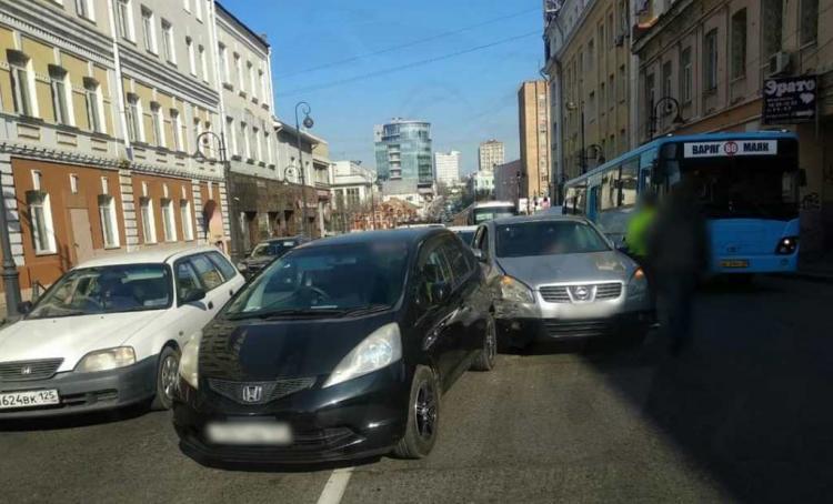В центре Владивостока произошло ДТП