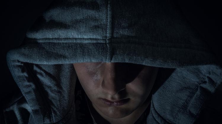 Во Владивостоке грабитель совершил преступление в отношении инвалида
