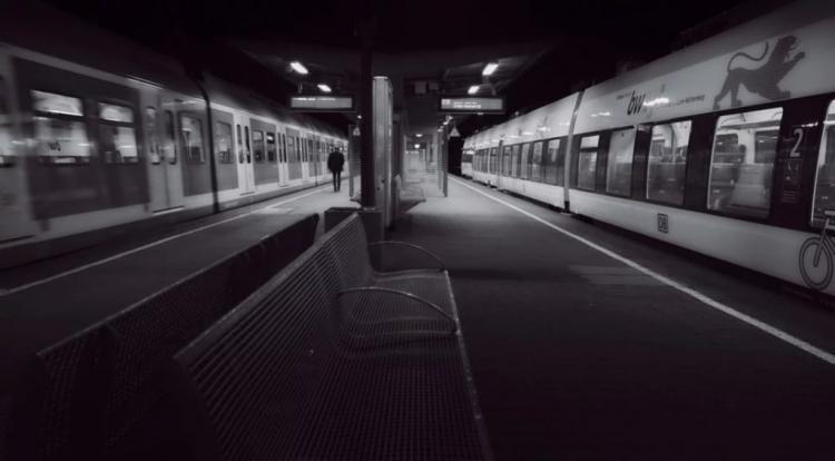 Пассажир, выпив, начал бить окна в поезде «Москва-Владивосток»