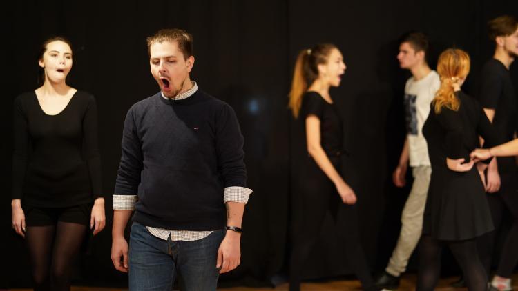Подростки Владивостока попробуют свои силы в театральном мастерстве