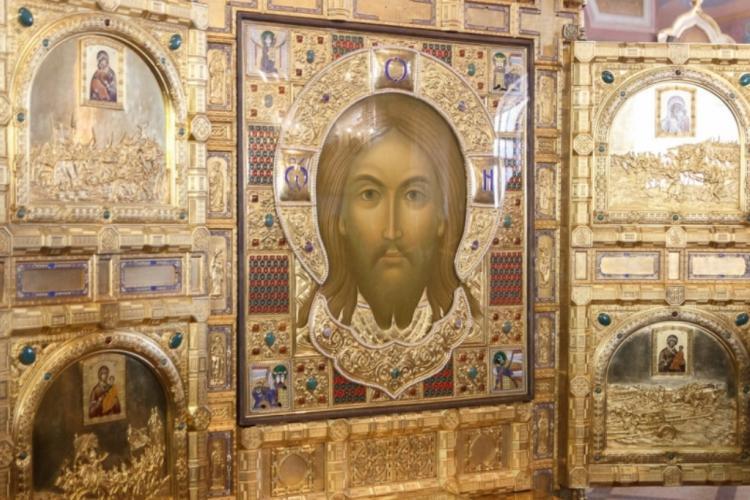 В Приморье доставили икону главного храма ВС РФ