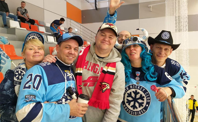 Омские хоккейные болельщики сразились с фанатами ХК «Сибирь» в Новосибирске