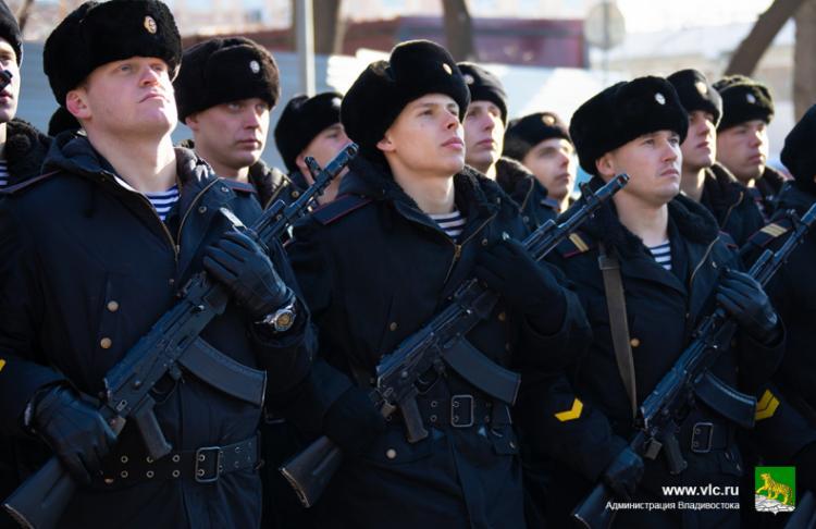 Владивостокцы почтили минутой молчания память безымянных воинов