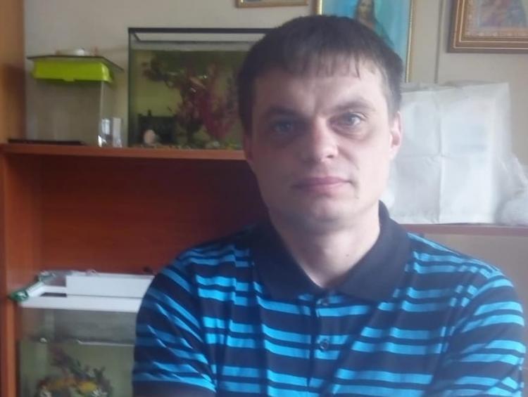 Во Владивостоке пропал мужчина с Рексом